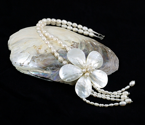 Esmeralda Flower Pearl Necklace Bridal Jewellery
