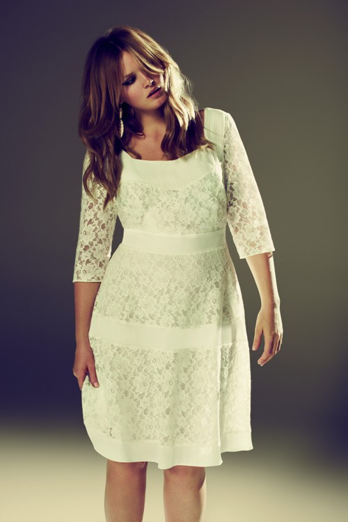 White Lace Plus Size Wedding Dress £80